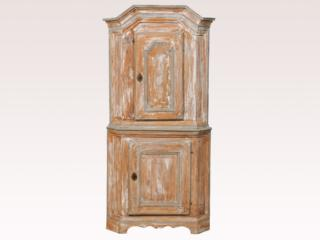 Baroque 18th C. Corner Cabinet