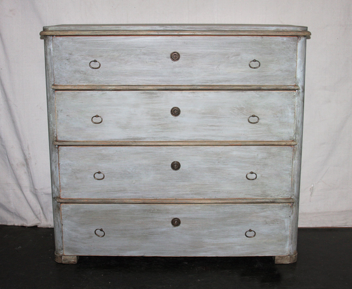 Chest 423 : 423 : A. Tyner Antiques